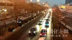 经常晚上开车 夜间驾驶眼镜有用么?